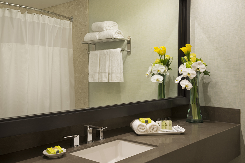 Image of a Superior Bathroom in the Intercontinental Toronto Centre